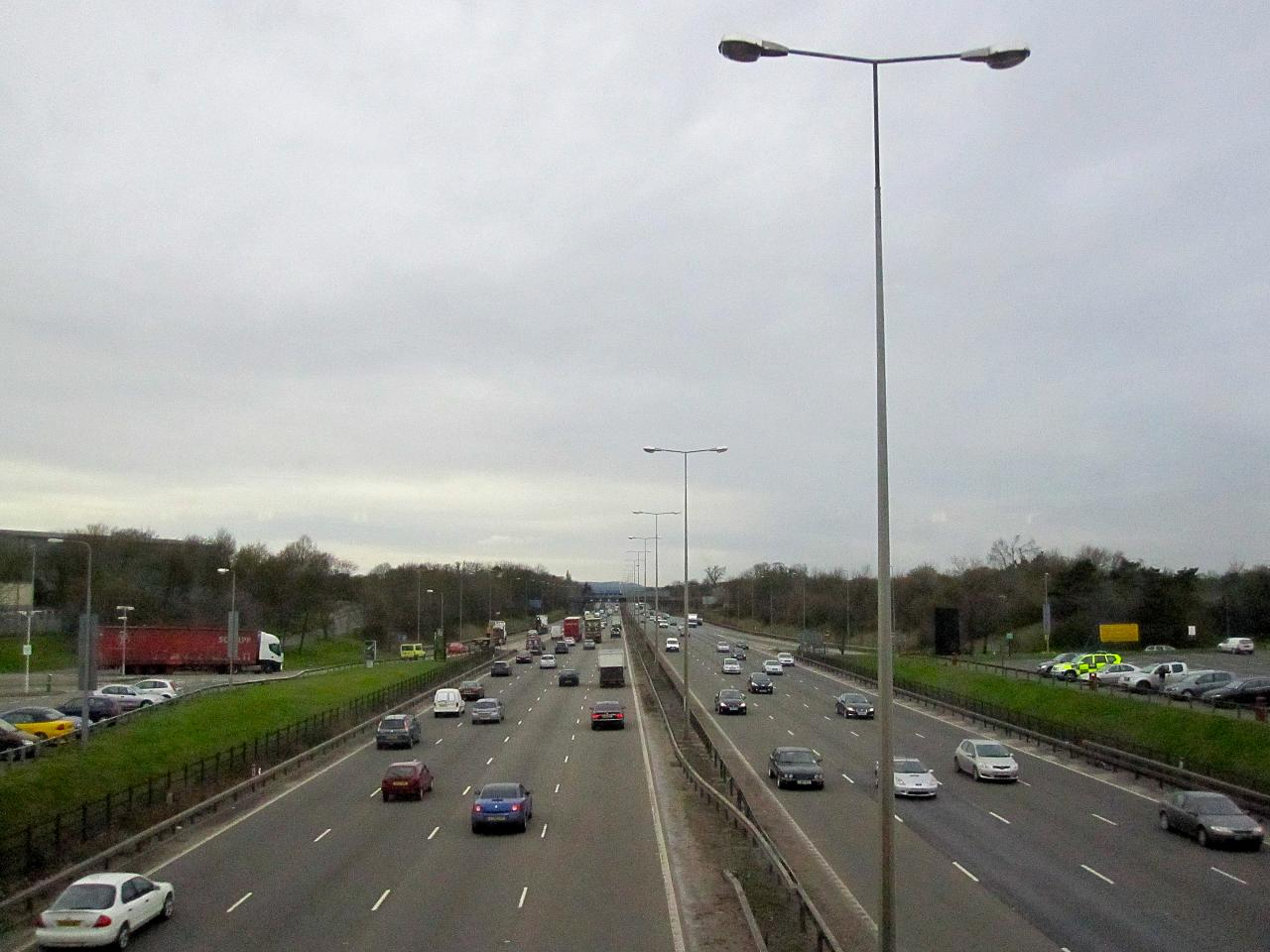 M1 closed between Junction 4 and 6