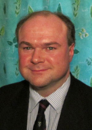 Councillor hits out at bus route cuts around Kings Langley