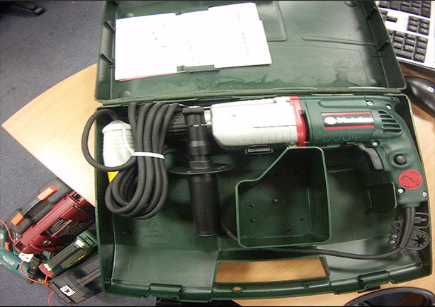 Police appeal after power tools stolen from Kings Langley