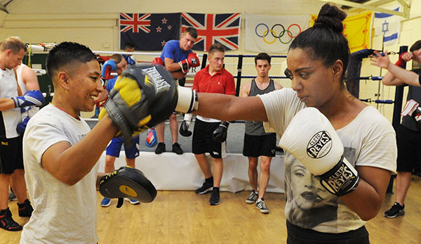 Champ offers support to Watford boxing club