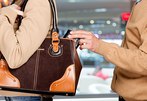 Don't be an easy target for purse dippers this festive season