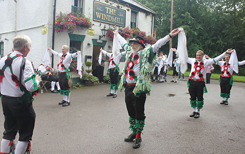 Morris men return to Chipperfield this weekend